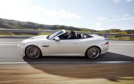 501074_66008 leadimage JAGUAR XKR S_CONVERTIBLE_UK_10