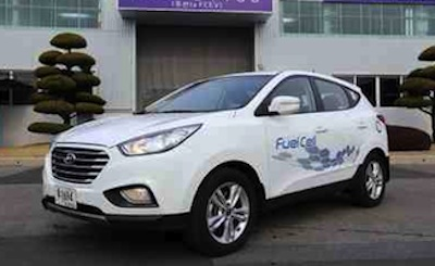 1050_Hyundai_ix35_Fuel_Cell_vehicle_rolls_of_assembly_line_Hyundai_40081