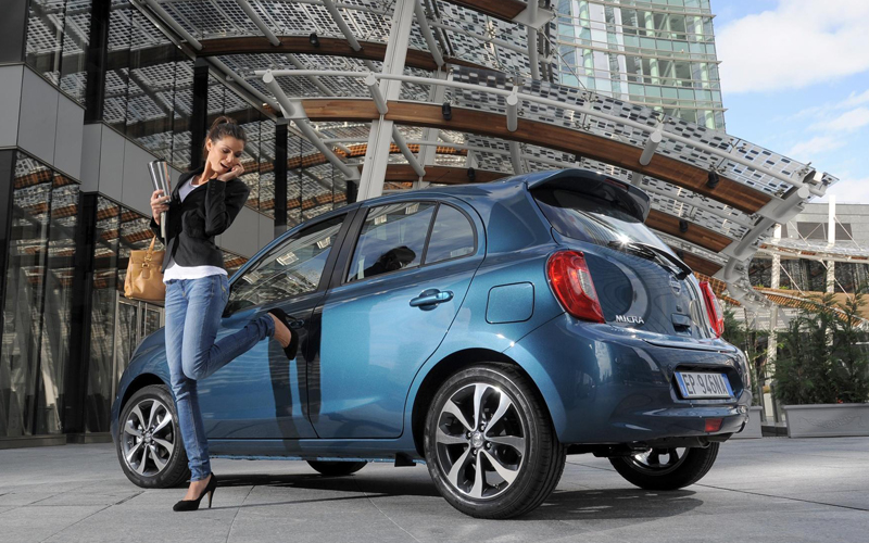 Nissan_Micra_with_girl