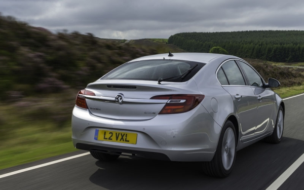 Vauxhall Insignia review rear action