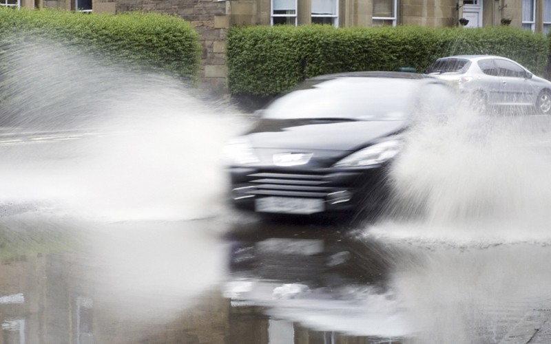 Driving_in_floodwater