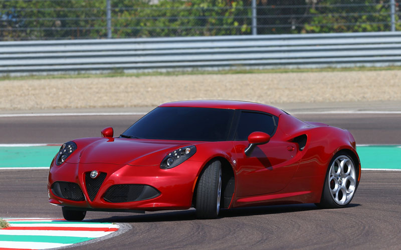 Alfa_Romeo_4C_review