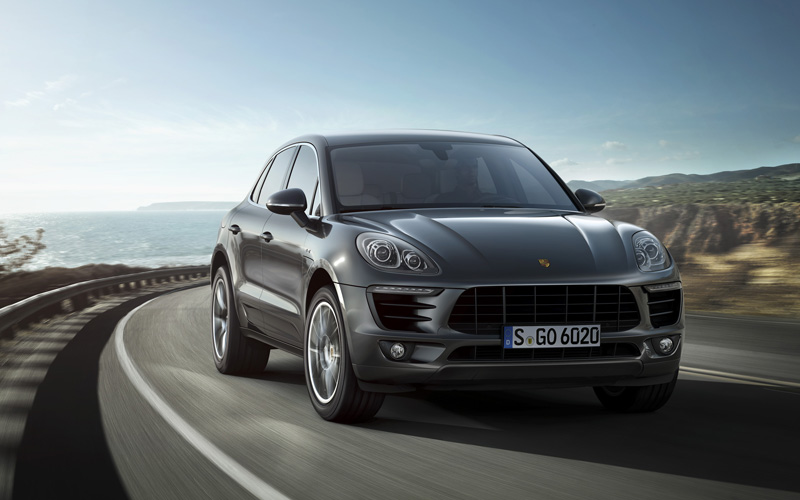 686_Porsche_Macan_review_action