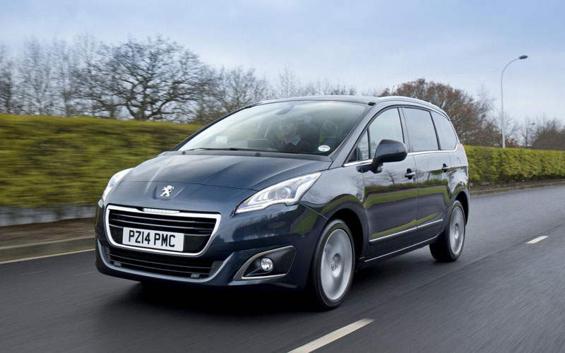 690_Peugeot_5008_review_action2