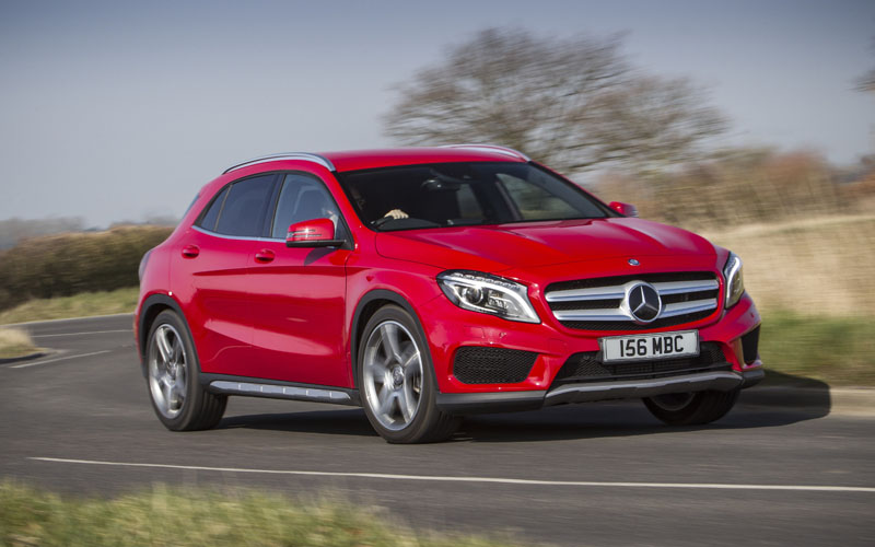 704_Mercedes_GLA_review_action
