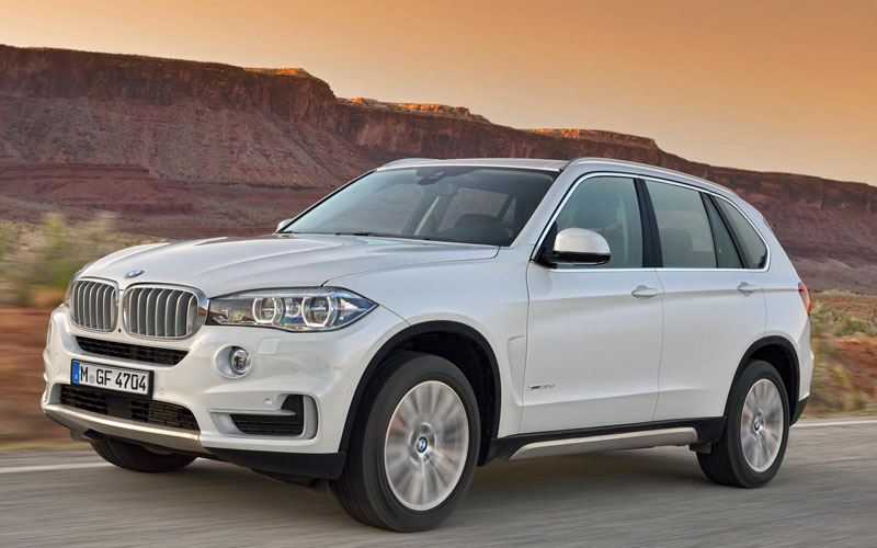BMW_X5_review_action