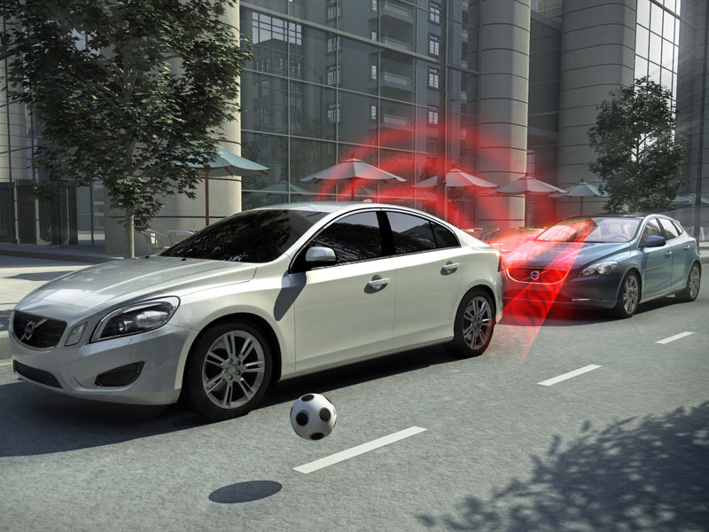 Volvo V40_City Safety in action 800