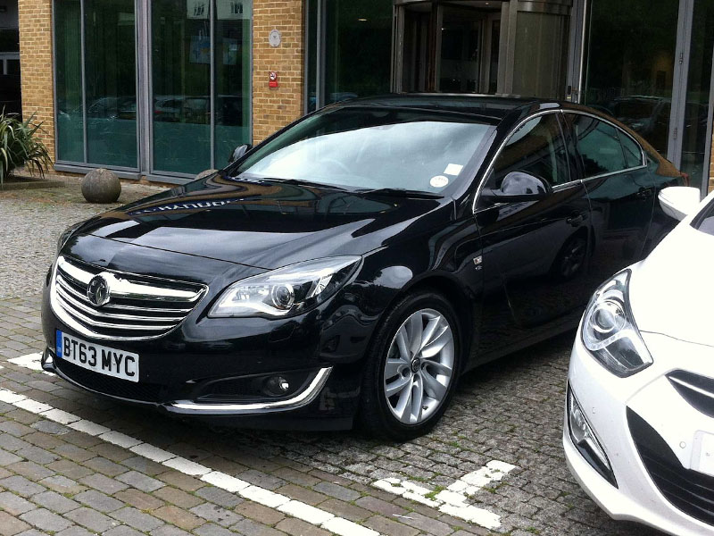 Vauxhall_Insignia_Business_Trips 800