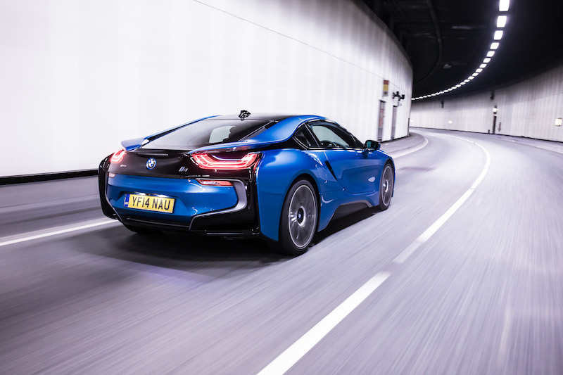BMW i8 review rear shot moving