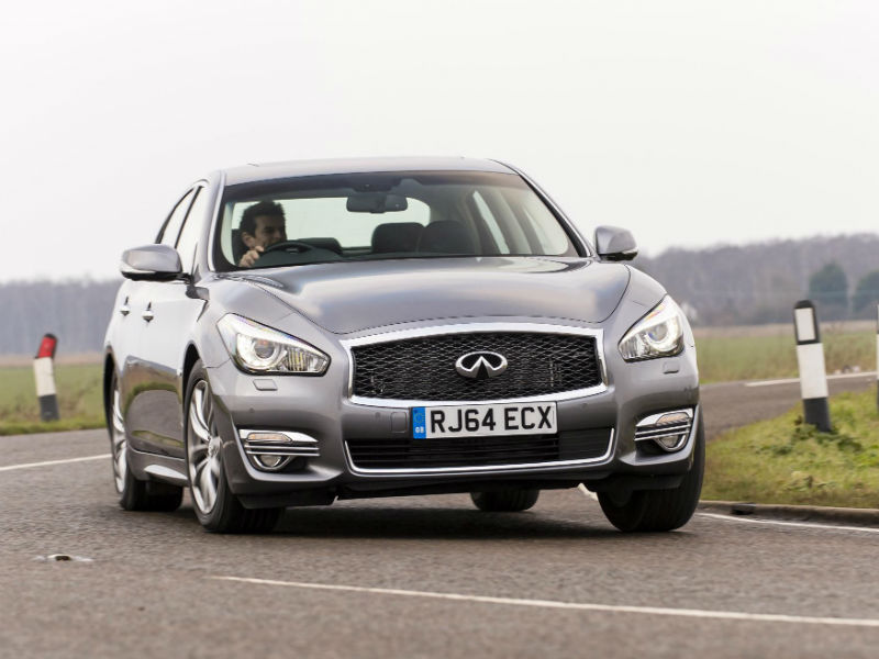 Infiniti Q70 saloon review