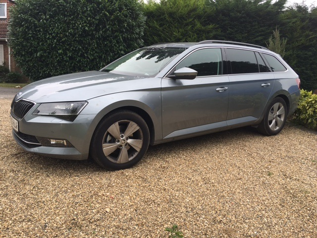 Skoda Superb Estate Business SE