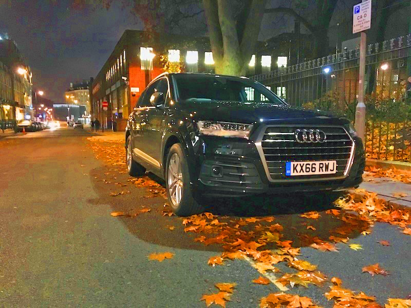 Audi Q7 at night GW