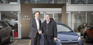 POOLE_HYUNDAI_Keith Peile right with David Pugh of Hyundai