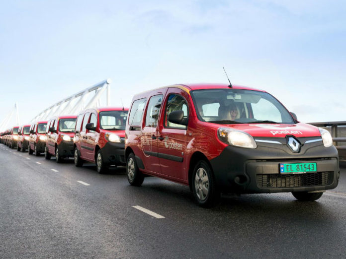 Postal rounds with Kangoo ZE in Norway