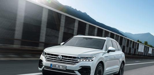 VW Touareg moving