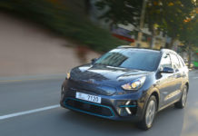 Kia e-Niro driving picture