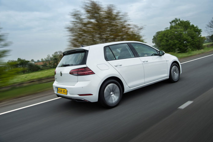 Volkswagen e-Golf driving picture